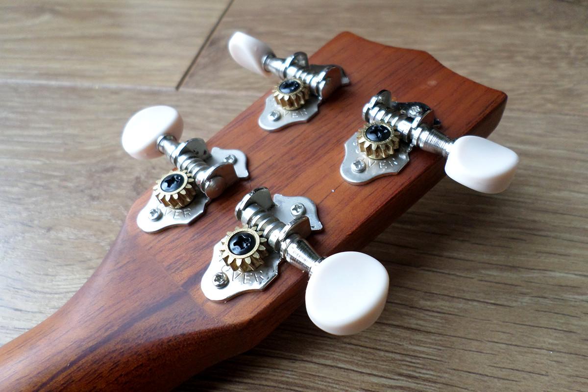Ohana SK-25 ukulele